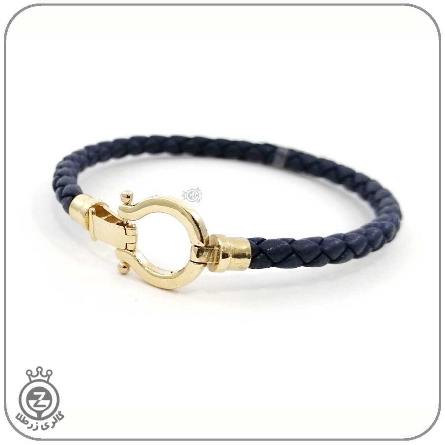 دستبند چرم و پلاک طلا طرح امگا 101